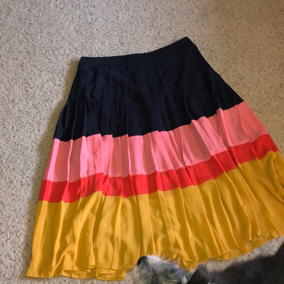 LOFT Dresses & Skirts - ANN TAYLOR SKIRT